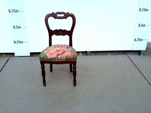 http://www.recyclerie-portesessonne.fr/12369-thickbox_default/chaise.jpg