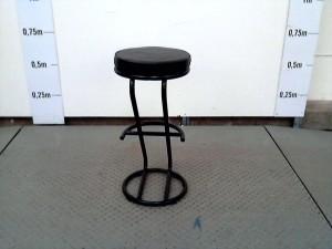 http://www.recyclerie-portesessonne.fr/13707-thickbox_default/tabouret-haut.jpg