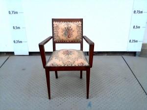 http://www.recyclerie-portesessonne.fr/14489-thickbox_default/chaise.jpg
