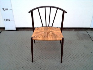 http://www.recyclerie-portesessonne.fr/7422-thickbox_default/chaise.jpg
