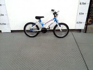 https://www.recyclerie-portesessonne.fr/18758-thickbox_default/v-elo-enfant-peugeot-bleu-et-blanc.jpg